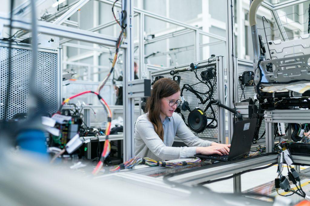 Gyártás és szétszerelés támogatása